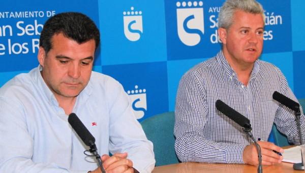 Imagen de Javier Heras, Primer teniente de Alcalde de Sanse y concejal de Ganemos responsable del área de Deportes, junto al alcalde de la ciudad, el socialista Narciso Romero