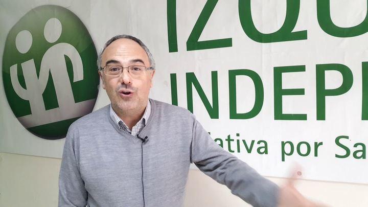 En la imagen vemos a Juan Torres, número cuatro de lista de 2015 y elegido por las bases de Izquierda Independiente para ser el candidato de esta formación en las elecciones de mayo.