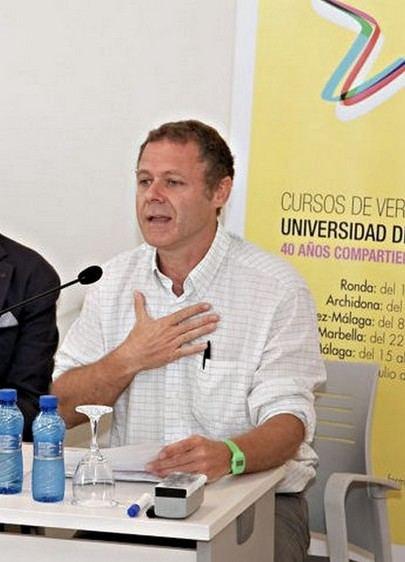 Julio César Jiménez gana el XXX Premio Nacional de Poesía José Hierro