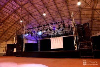 Imagen del salón de actos del edificio municipal de La Esfera donde se llevará a cabo el Festival