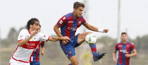 Imagen del partido de ida disputado entre el Atlético Levante y la Unión Deportiva San Sebastián de los Reyes
