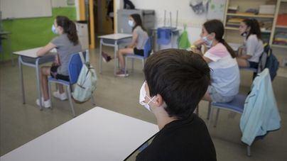 Mascarilla obligatoria tanto en el interior de las aulas como en los recreos al comienzo de curso