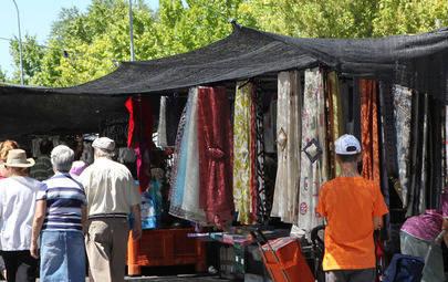 El pequeño comercio de Alcobendas saca sus productos a la calle