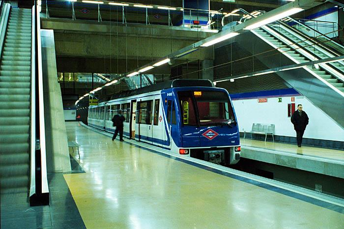 Alcobendas reclama wifi gratuito en el metro y en los trenes de cercanías