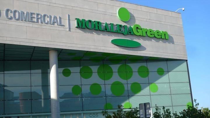 Imagen de la fachada del centro comercial Moraleja Green