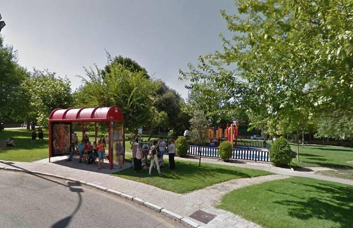 El Encinar pide al Ayuntamiento cercar un parque infantil