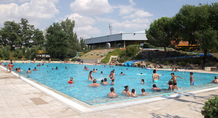 Quejas por el precio de la piscina municipal de Sanse