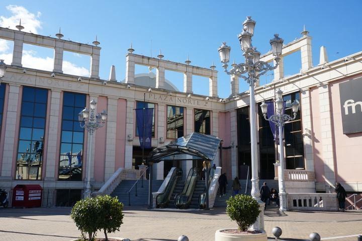El centro comercial Plaza Norte 2 reabre sus puertas