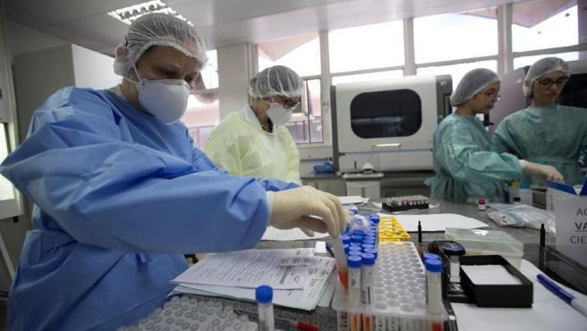 La OMS anuncia que no habrá vacuna en 2020