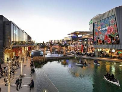 Imagen del centro comercial Puerto Venecia, en Aragón y que pertenece a la empresa británica Intu