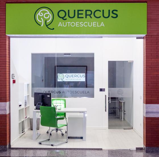 Autoescuela QUERCUS abre en el C.C. El Encinar