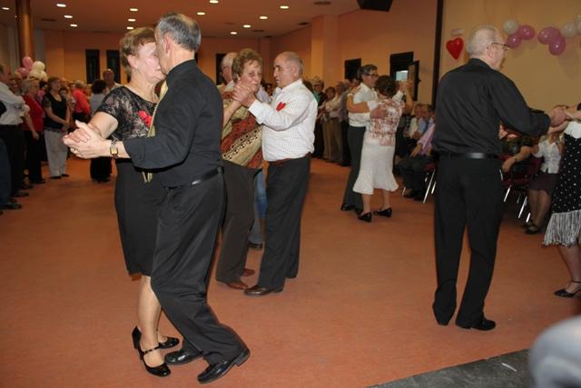 Baile de San Valentín para mayores en Sanse