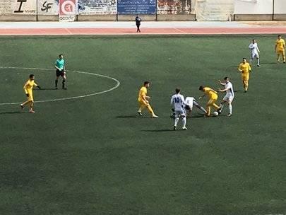 Imagen del partido entre el San Fernando y el Alcobendas Sport disputado en el estadio municipal Santiago del Pino