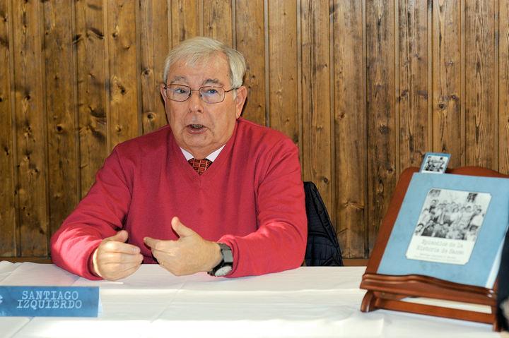 Imagen de Santiago Izquierdo cuando presentó su libro a los medios de comunicación