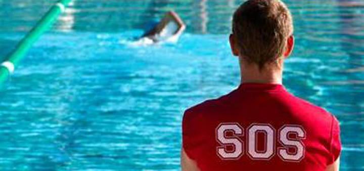 Los Socorristas aterrizan en las piscinas