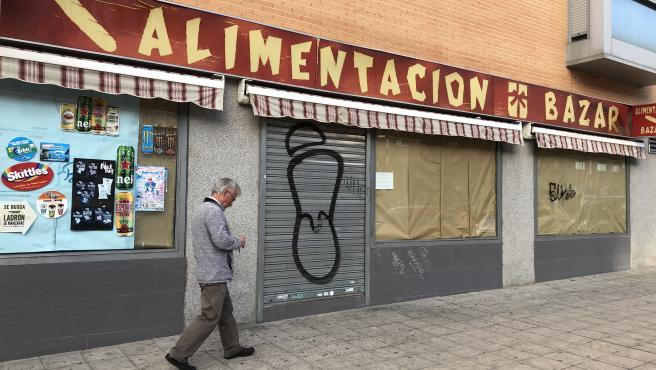 Los pequeños comercios chinos echan el cierre temporalmente ante la caída de clientes por el coronavirus en Madrid