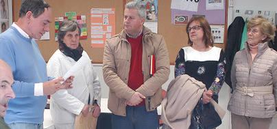 Imagen de la visita del Alcalde Sanse y la concejal de Servicios Sociales en su visita al centro ocupacional de la Granja de San José