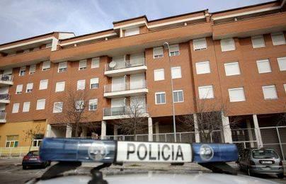 Imagen del bloque de viviendas ocupadas situado en el número 26 de la calle Francisco Largo Caballero y donde se traficaba con droga