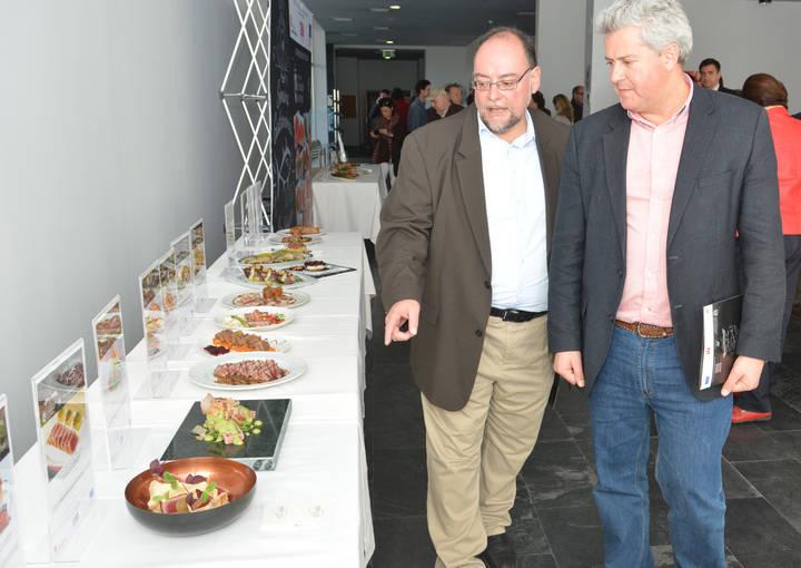 Imagen del Alcalde de Sanse, Narciso Romero junto al concejal de Desarrollo Local, Miguel Ángel Fernández